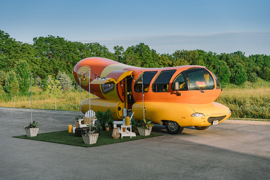 Click to enlarge image oscar-mayer-wienermobile-airbnb_100708778_h.jpg