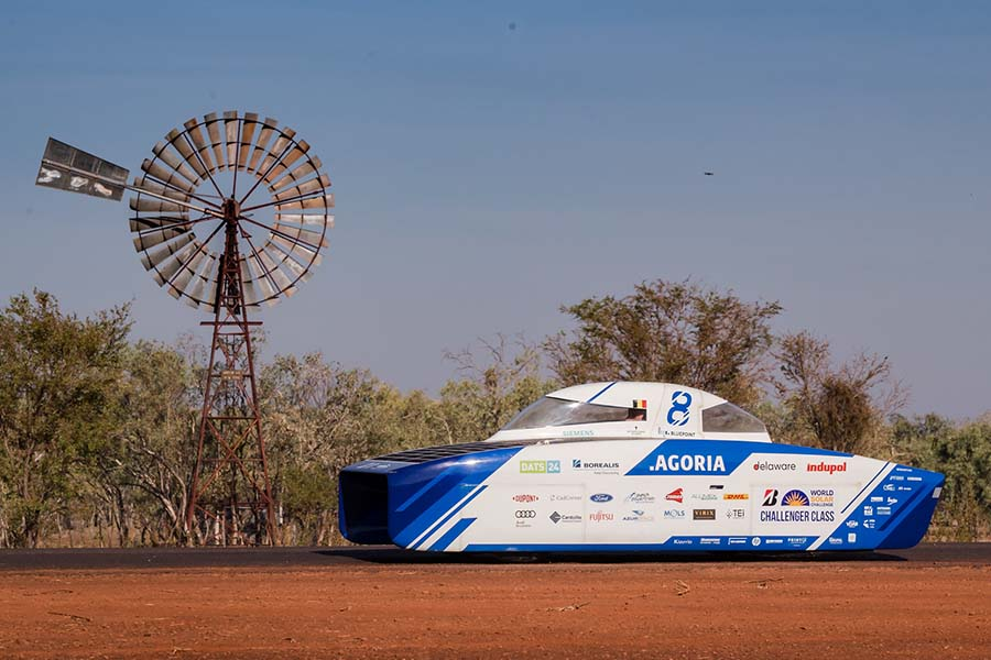 Click to enlarge image CX_Agoria_Solar_Team_BluePoint_wins_World_Solar_Challenge_1.jpg